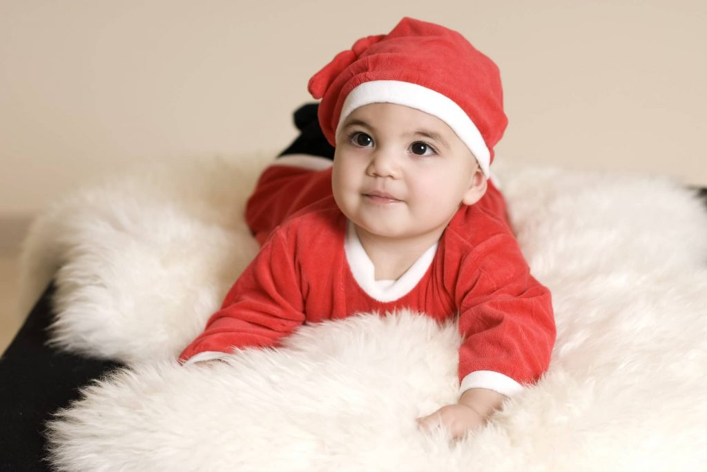 Newborn Christmas photoshoot